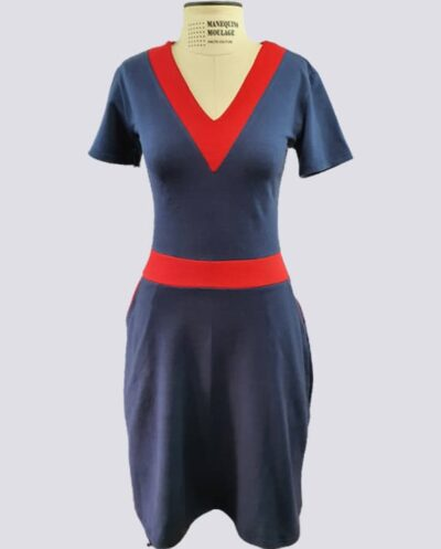 Kit Completo de Molde de Vestido de Malha com Decote V com Saia com Cós e Bolso – Malha – Tam.PP ao XXG