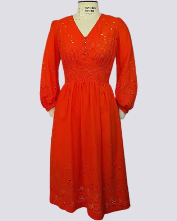 Vestido Corte Imperio com Saia Franzida – Tecido Plano 570x708 OT